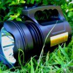 lanterna-holofote-recarregavel-potente-td-6000a-30w-t6-D_NQ_NP_921187-MLB26258325422_102017-F